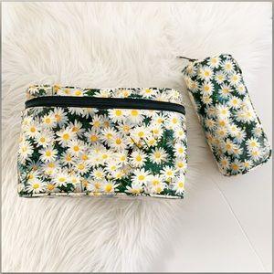 Kate Spade Daisy Large makeup bag